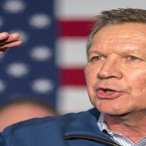 Ohio Gov. John Kasich, a Republican presidential hopeful, speaks during a campaign stop at Finn's Brick Oven in Mount Pleasant, S.C.